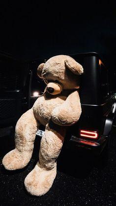 Huge Teddy Bears, Large Teddy Bear, Big Teddy, Funny Phone Wallpaper, Aesthetic Iphone Wallpaper, Cartoon Wallpaper, Soft Wallpaper, Bear Wallpaper, Wallpaper Backgrounds