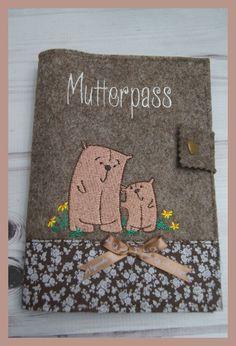 Mutterpasshülle aus Filz bestickt mit Bärchenmotiv, Handarbeit in Kleidung & Accessoires, Damenmode, Umstandsmode | eBay!