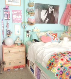 Scathingly Brilliant: a little bedroom update!