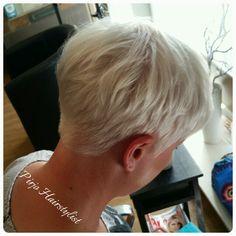 Platina blonde pixie