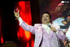 Juan Gabriel - Por Qué Me Haces Llorar (En Vivo 2015)