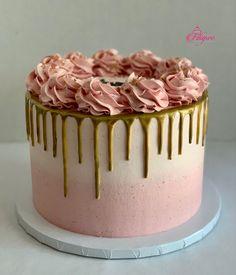 Green Birthday Cakes, Birthday Drip Cake, 14th Birthday Cakes, Buttercream Birthday Cake, Candy Birthday Cakes, Birthday Cake For Mom, Pretty Birthday Cakes, Buttercream Rosette Cake, Pink Rosette Cake