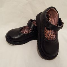 943f2c3729ed Shoes Black Mary Jane Janes Dress Shoes Circo Size 5 Toddler Girls Hooks  Loops  Circo