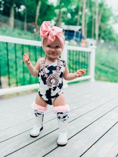 Country Outfits, Country Girls, Country Babies, Cute Funny Baby Videos, Cute Funny Babies, Cow Birthday, Texas, Cute Baby Girl Outfits, Baby Fever