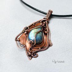 Labradorite gemstone copper wire jewelry pendant necklace by #Artual  - #jewelry #handmade