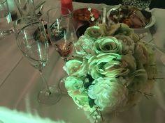 Bouquet & champagne flutes