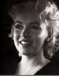 Marilyn in New York. Photo by Ed Feingersh, March 1955.