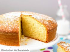 7 astuces pour un gâteau au yaourt extrêmement moelleux ! This is perhaps the cake that we make the most in a lifetime: the yogurt cake! Baby Food Recipes, Bread Recipes, Cake Recipes, Dessert Recipes, My Favorite Food, Favorite Recipes, Yogurt Cake, Homemade Baby Foods, Dessert Bread
