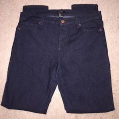 """Dark Skinny Jeans Dark wash skinny jeans from Forever 21 - only worn a few times, minor pilling in between legs - 29"""" inseam Forever 21 Jeans Skinny"""
