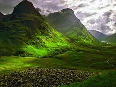 ...και θα πήγαινα και μια βόλτα στην Glencoe, την κοιλάδα ηφαιστιακών καταβολών που βρίσκεται στα Highlands