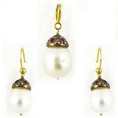 The South Sea Pearl Gold Pendant Set #fashion #gold #jewellery #earrings