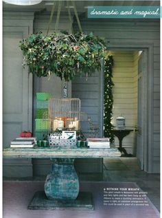 What a great way to incorporate a small space outside for the holidays!