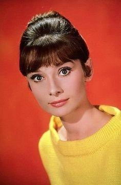 33-1006 Audrey Hepburn C. 1966