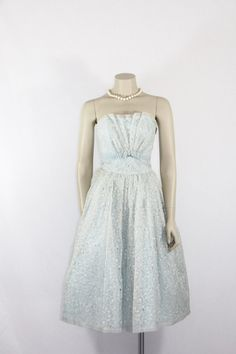 Vintage Prom Dress Strapless by VintageFrocksOfFancy Vintage Party Dresses, Prom Party Dresses, Vintage Prom, Strapless Prom Dresses, 50s Dresses, Formal Dresses, 1950s Fashion, Vintage Fashion, Vintage Style