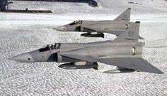 Saab 37 Viggen - FliegerWeb.com - News Reportagen Videos! Military Jets, Military Aircraft, Air Fighter, Fighter Jets, Swedish Armed Forces, Swedish Air Force, Delta Wing, Jet Air, Airplane Design