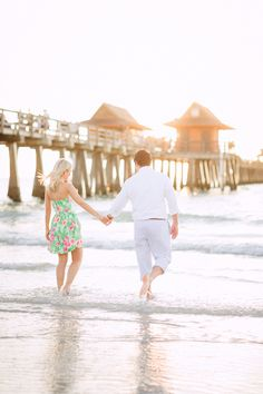 3rd Street South & Naples Pier Engagement | South Florida Wedding & Engagement Photographer | Molly & Ed | Lilly Pulitzer | Preppy Engagement Photos Inspiration | Sunset Engagement | www.hunterryanphotoblog.com