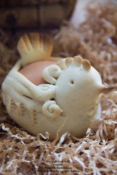 Ogni anno per Pasqua in Sardegna si ripete una tradizione che augura abbondanza e prosepeprità: quella del pilloneddu cun s'ou