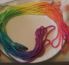 Tutorial:  How to make rainbow paracord