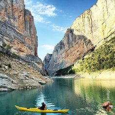 Kayaking in the Congost de Mont-Rebei (Lleida), a natural site of stunning beauty...  Picture by @jas8gc (Instagram)