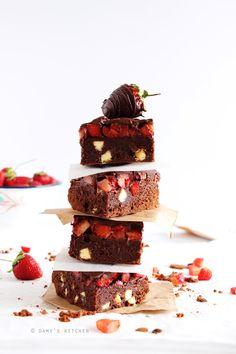 Evet, abartmıyorum. Paris'ten bugüne kadar yediğim en iyi brownie'yi yapmış bulunuyorum! Hayatınızın sonuna kadar ihtiyacınız olan t...