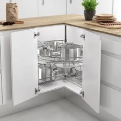 37 Solutions for Modular Kitchen Cabinets Storage Drawers – onlyhomely Kitchen Cupboard Designs, Kitchen Cabinet Storage, Kitchen Room Design, Kitchen Layout, Home Decor Kitchen, Interior Design Kitchen, Kitchen Furniture, Modern Kitchen Design, Storage Drawers