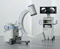 """C-Bogen / mobiles Röntgengerät und ein OP Tisch: Während der Regenzeit kommen nicht so viele neue Patientinnen in das Krankenhaus, da viele Straßen unpassierbar sind. Das ist die Gelegenheit für das Fistula Hospital den OP-Trakt zu renovieren und zu erneuern. Es soll ein sogenannter """"C-Bogen"""", d.h. ein mobiles Röntgengerät eingebaut werden. Bitte helfen Sie mit die Geräte zu finanzieren."""