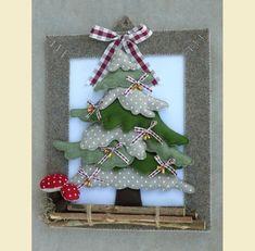 Natale feltro - by Luisa Valent Fabric Christmas Trees, Felt Christmas Decorations, Felt Christmas Ornaments, Christmas Wreaths, Xmas Tree, Christmas Makes, Christmas Art, Handmade Christmas, Christmas Holidays