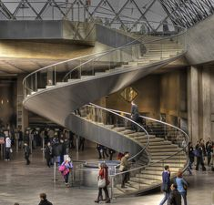 Musée du Louvre - Helical stairs under the Glass Pyramid by I. M. Pei