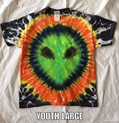 Awesome Alien tie dyed tee... Awesome for Halloween!  Available at www.etsy.com/shop/universaleclectic