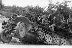 https://flic.kr/p/FBMvBq   2 cm Fla.K. 38 auf Selbstfahrlafette (Sd.Kfz. 10/5)   Picture courtesy Krueger Waffen ________ The Panzer Pictures Database   @PanzerDB (Twitter)   panzerdb.com