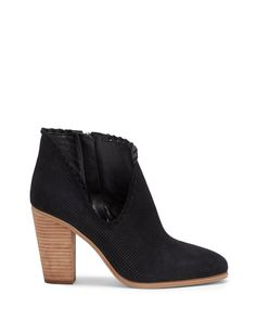 21e99dda02e06c Size 7.5 Perforations and whipstitching lend modern texture to the  Western-influenced Fernlee. Wear