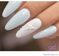 Nails Light blue and white gel nails with a nice star detail Light blue and white gel nails with a nice star detail White Gel Nails, Blue Nails, Blue And White Nails, Nagel Blog, Beach Nails, Creative Nails, Nail Polish Colors, Halloween Nails, Natural Nails