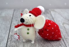 Needle felted Mouse - MADE TO ORDER - Rat - Christmas - Fiber art - Home decor…
