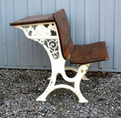 Vintage School Desk – OMG if I could only find one, my inner teacher would DIE! Antique School Desk, Old School Desks, School Chairs, Old Desks, Antique Desk, Vintage School, School Tables, Trendy Furniture, Repurposed Furniture