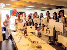 Vrijgezellenfeest van Esther! Workshop schilderen in de Oude Molstraat 18 in Den Haag. http://ift.tt/2aNoz0O #denhaag #vrijgezellenfeestvrouwen #vrijgezellenfeestzuidholland #ideeenvrijgezellenfeest #naaktmodelschilderen #workshops