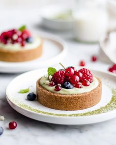 Matcha pastry cream tartlets 💚 Vegan | gluten-free | refined sugar free Creamy pastry cream with Matcha powder from @unicornsuperfoods 🦄♥️ . . Have a beautiful Friday 🤗 . . . Recipe Base 1 cup gluten-free oat flour 1/2 cup almonds 2 tbsp coconut oil 1-2 tbsp rice syrup Preheat oven to 180celsius. Grease tart tins. Set aside. In a food processor, add almonds, oat flour and process until coarsely ground. Then add the coconut oil, rice syrup and process until mixture looks like wet sand. You ...