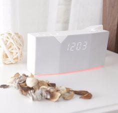 BEDDI - Intelligent Alarm Clock with Smart Home Integration Smart Home Control, App Control, Cute Alarm Clock, Alarm Clocks, High Quality Speakers, Home Tech, Smart Home Security, Home Automation System, Wireless Security