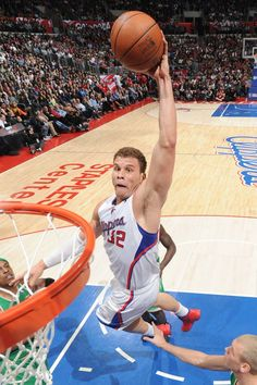 Blake Griffin awesome dunk