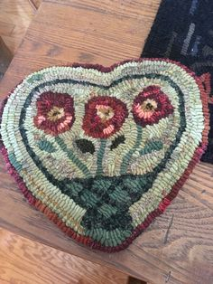 Locker Hooking, Rug Hooking, Small Mats, Penny Rugs, Mug Rugs, Note To Self, Cross Stitch Embroidery, Line Art, Coloring Pages