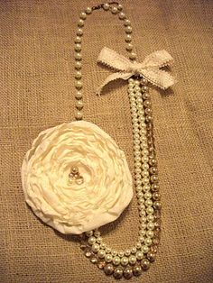 Miss Lovie: HUGE Flower and Bow Necklace Tutorial.  Love this but would make the flower smaller.