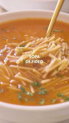 Tomato Soup Recipes, Veggie Recipes, Mexican Food Recipes, Real Food Recipes, Dinner Recipes, Cooking Recipes, Yummy Food, Vegetarian Soup, Vegetarian Recipes