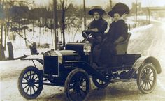 Model T Ford Forum: Old Photo, love the hats, Ford?