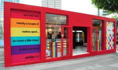 Vitamin water pop up shop in France. Love the product and love the pop-up store… Cargo Container Homes, Container Design, Container Store, Stand Design, Booth Design, Pop Up Stores, Visual Merchandising, Trade Center, Temporary Store