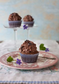 Chocolate Orange Cannoli Cupcakes & Cacao Nibs at Cooking Melangery