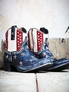 Senso Hanshaw Stud Boot with a crazy pricetage, but you would look sick at any country concert or on the 4th of July