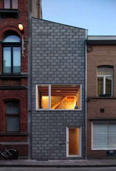 a thin house