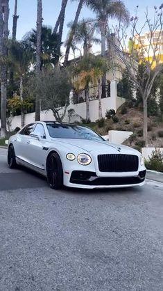 White Bentley Looks Great Bentley Car, Dierks Bentley, Flying Spur, Armored Truck, Street Racing Cars, Best Luxury Cars, Bentley Continental, Royce, Big Boys