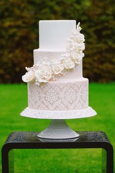 Love romantic wedding cake by Jana Candy Art - http://cakesdecor.com/cakes/259959-love-romantic-wedding-cake