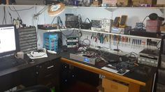 Whats your Work-Bench/lab look like? Post some pictures of your Lab. - Page 25 Computer Repair Shop, Computer Shop, Workshop Studio, Home Workshop, Mobile Workshop, Electronic Workbench, Gaming Room Setup, Hobby Electronics, Electrical Projects
