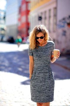 SF stylist, I would love an easy dress like this that could be dressed up for work, or down for the weekend. Looks comfy too! 75 Non-Boring Work Outfits To Wear This Fall